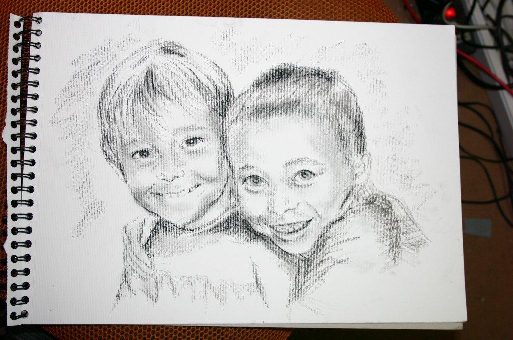 Portrait 2 Brüder in Kohle
